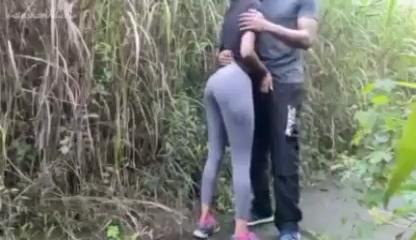 Ashavindi having outdoor fuck with her boyfriend lanka new xxx video