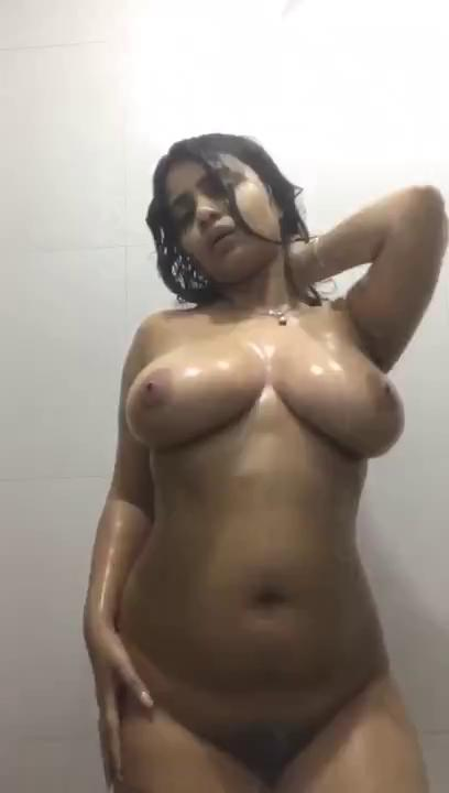 www.sinhala sex.lk – Chubby girlfriend nude dance in the bathroom